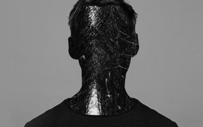 Kanonada Chrisa Clarka w jego nowym LP – 'CLARK'